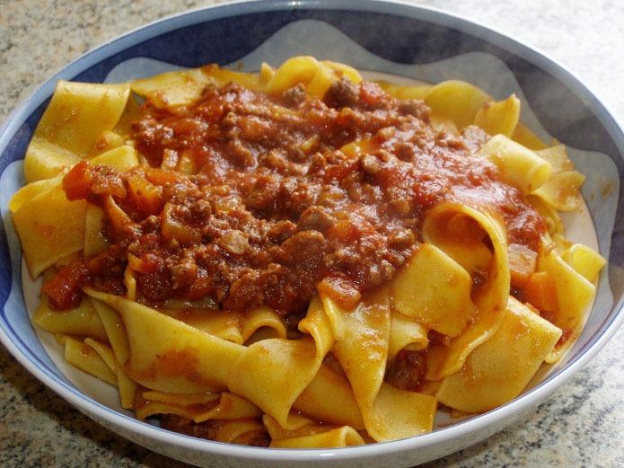 pappardelle au sanglier et la sauce tomate la cuisine