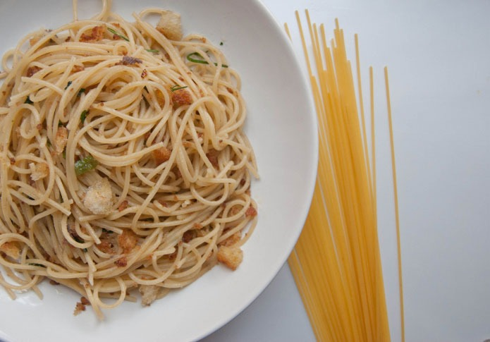 Recette italienne spaghetti à la mie de pain