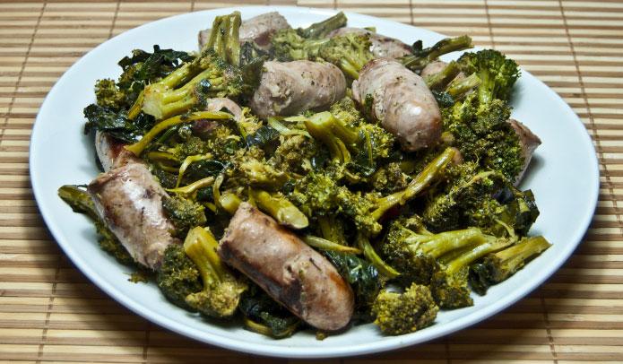 broccoli et saucisse la cuisine italienne. Black Bedroom Furniture Sets. Home Design Ideas