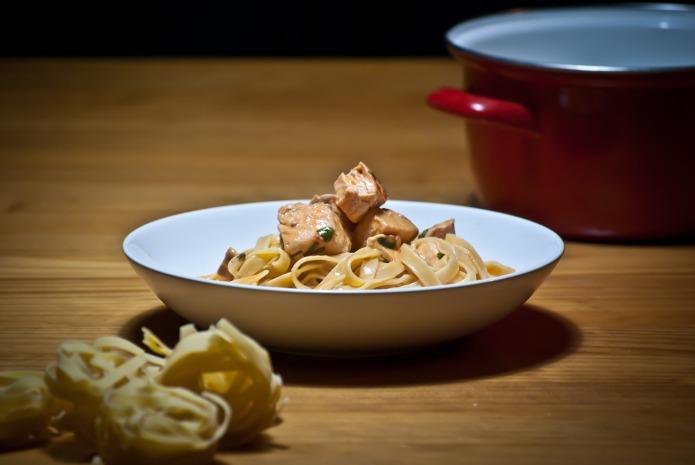 Recette italienne tagliatelle au saumon