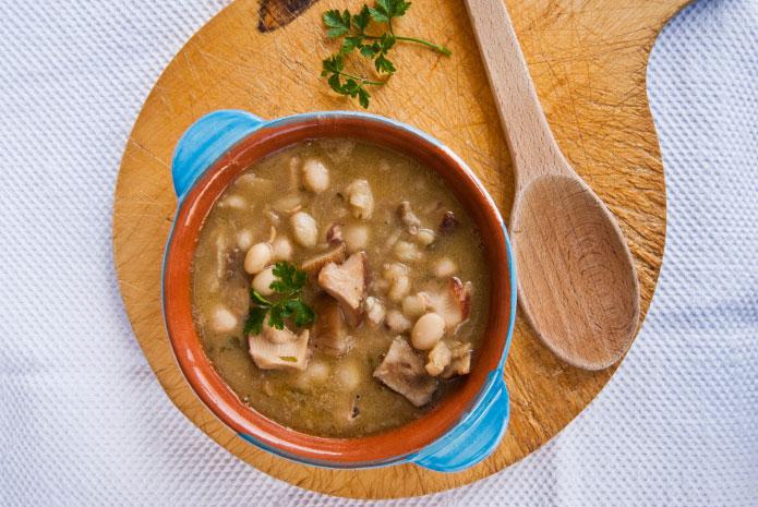 Recette italienne soupe haticots blans et cèpes