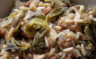 Scarole, pignons de pin et raisins secs