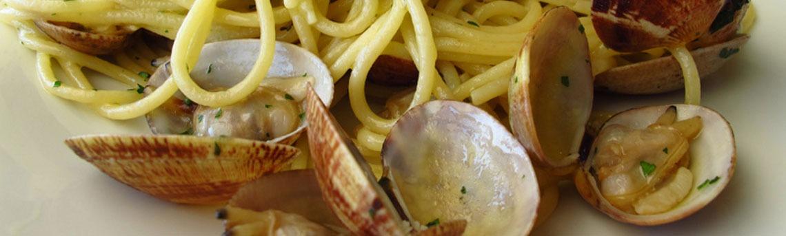 Spaghetti aux palourdes la cuisine italienne for Cuisiner des palourdes